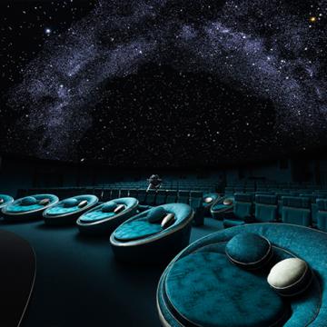 東京で満天の星空を!プラネタリウムデートにオススメの「コニカミノルタプラネタリウム」